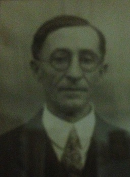 1924JohnCarto.jpg
