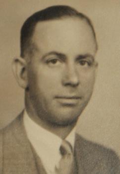 1932RaymondIles.jpg
